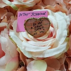 NWOT BETSEY IS HEART RING